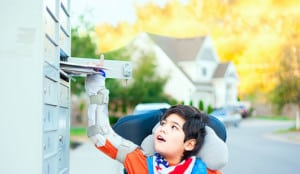 child getting mail